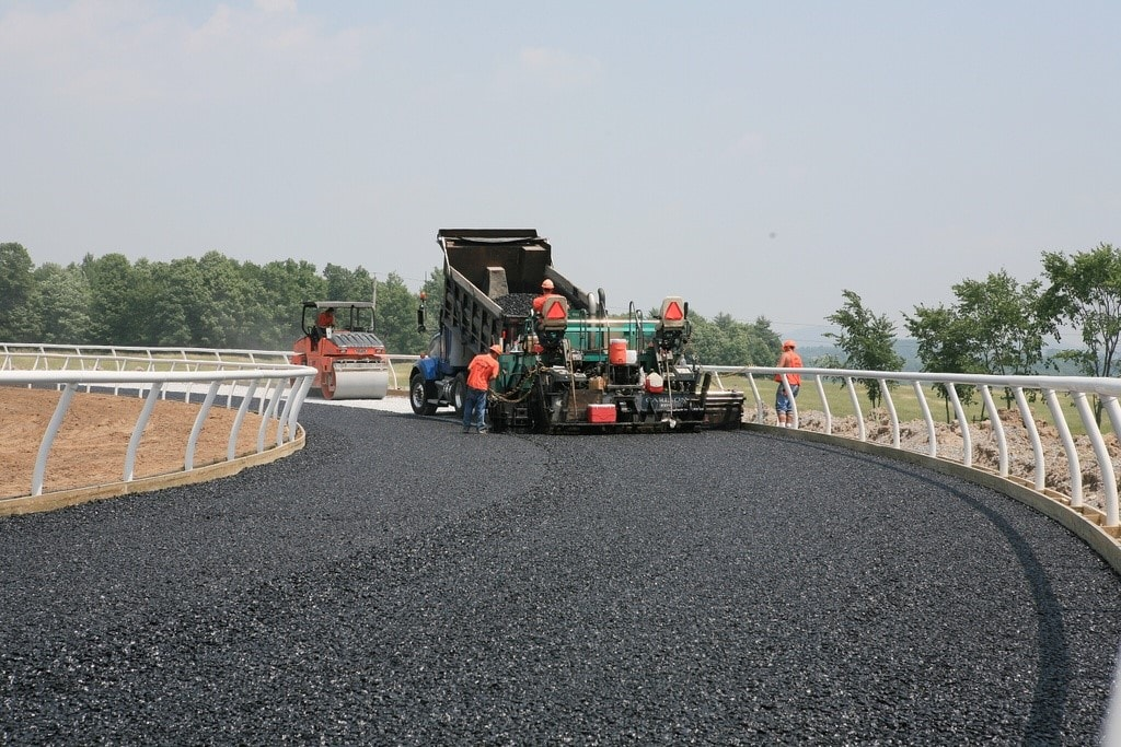 Featured Image for Environmentally Friendly Paving Options with HMA